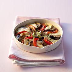 Pour une recette facile et rapide, testez ce tian d'aubergines et tomates à la mozzarella !