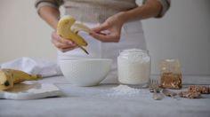 Mahtavan helppo keksiresepti: 1 iso ja kypsä banaani + 2 dl kookoshiutaleita + ½ tl kanelia = suloiset kanelikeksit.