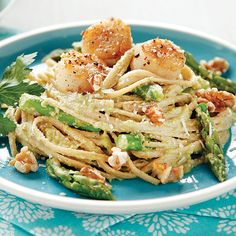 ~ Seared Scallops Over Pea Pesto Linguine ~ Tasty and healthy and I prepared it in about 45 minutes, start to finish. I'll be making this again.