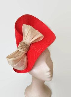 Red and beige fascinator with a bow Kentucky derby hat Royal Wedding Hats, Red Wedding, Facinator Hats, Fascinators, Headpieces, Idda Van Munster, Tea Hats, Royal Ascot Hats, Millinery Hats