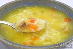 Receita de Canja de galinha especial em receitas de sopas e caldos, veja essa e outras receitas aqui!