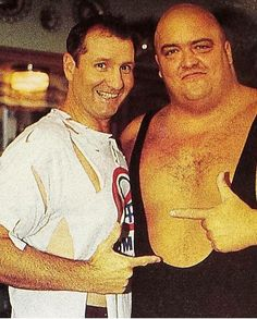 Now this is just awesome! #AlBundy and #KingKongBundy! Found this pic on Facebook. Love it. #EdONeil #MarriedWithChildren