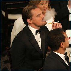 Celebrities Who Smoke E Cigs: Hollywood Loves To Vape - Leonardo Dicaprio
