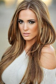 A Unique And Pretty Touch Of Hairstyles For Fall 2014 That Will Make You More Confident Also Pretty : Light Brown Hair Color With Blonde Highlights , This Style Is Normal Long With Middle Parted The Hair Is Freely Fall And Make A Natural Groove