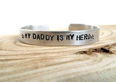 My daddy is my hero | Aluminium slagletter armband medium