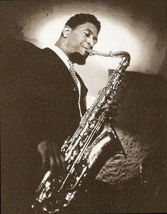 "Sonny Rollins, fotografato nel 1930 mentre suona ""Nothing could get in his way""."