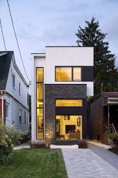 The Linear Houseby Green Dot Architects 폭이 좁은 대지에 좁아 보이지 않게 집짓기 토론토의 이스...