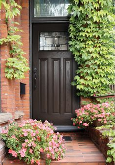 Plastpro Traditional Style Woodgrain Fiberglass Doors | Plastpro DRG6C-SOL fiberglass door | Brown Entry Door Brick House