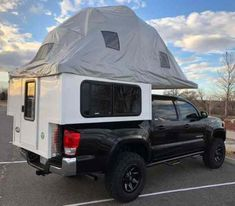 Phoenix Campers debuts the Phoenix Geo-Den Flip, a cabover-less pop-up tent truck camper with an innovative flip-open bed and canopy system. Truck Bed Tent, Truck Bed Camper, Pickup Camper, Tent Campers, Truck Topper Camper, Pickup Trucks, Bronco Truck, Truck Tailgate, Truck Camping