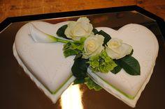 wedding cake....mhmmm Wedding Cakes, Weddings, Desserts, Food, Cake Ideas, Essen, Nice Asses, Wedding Gown Cakes, Tailgate Desserts
