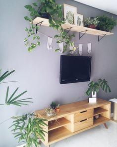 #MoblyDoMeuJeito: O Rack Country Mel encheu o lar @melhor_juntos de charme Nós amamos e vocês? . . > Produto: Rack para Tv Country 2 GV Mel . . #regram #moblyporai #mobly #moblybr #decoracao #tendenciadecoração #home #inspiration #decor #decoration #homedecor #inspiracao #homedecoration #instahome #homestyle #lardocelar #homesweethome #meuape