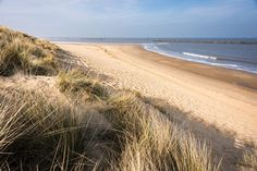 This is the beach you'll be walking along at the end of a stretch of the Norfolk Coast Path. Norfolk Beach, Norfolk Coast, Norfolk Broads, Seaside Holidays, Walking Holiday, Beach Road, Kingdom Of Great Britain, Ocean Beach, Beautiful Landscapes