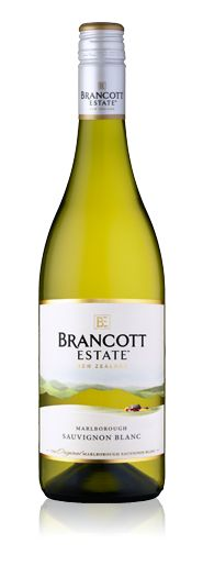 Sauvignon Blanc from Marlborough region, New Zealand. Fresh and young, beautiful, like the country where it comes from. It is common for a kiwi sauvignon blanc to have aromas of lemongrass and tropical fruits.