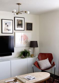 Sophisticated gallery wall around tv — love the modern frame styles and framed art. Perfect mix of dark and bright framed art. Living Room Inspiration, Interior Design Inspiration, Cosy Corner, Interior Design Living Room, Interior Designing, Decoration, Home And Living, Living Spaces, Living Rooms