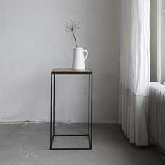 Discover our collection pure linens and artisan crafted quality goods. Made to last from natural materials. Crafted with respect for the earth. All cushions, bed- and table linens are handmade in our Studio in the Netherlands. Join us and have a look. We ship worldwide!