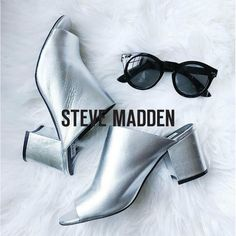 4d8655bbbe8 Steve Madden Infinity silver leither. Aversa Shoes