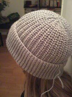 """http://www.bluemarguerite.com/Loisirs-creatifs/tuto-376-bonnet-de-laine.deco côtes : tricoter les """"simples"""" à l'endroit et les """"boucles"""" à l'envers"""