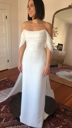 Simple Elegant Wedding Dress, Minimalist Wedding Dresses, Stunning Wedding Dresses, Perfect Wedding Dress, Boho Wedding Dress, Dream Wedding Dresses, Designer Wedding Dresses, Beautiful Gowns, Wedding Gowns