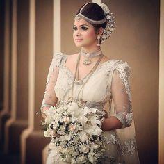 Srilankan kandyan bride