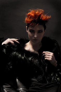 Model: Sara Scarlet |  Photographer: Peter Van Tricht |  Makeup: Riona Noire |  #SimplySexy #SaraScarlet #Fashion #Hair #Makeup #Portrait | Pin by @settimamas