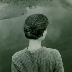 Emmet Gowin - Edith, Chincoteague Island (Virginia), 1967. Cortesía de Pace/MacGill, Nueva York.