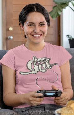 T-shirt with a devil's tail, for indecent girls, with the text Gamer Girl. You are a gaming girl who loves to play computers and video games, then you should love this shirt. Buy online.