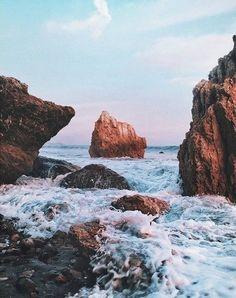 Inspiring image background, beach, day, hipster, rocas by Bobbym… Nature Photography, Travel Photography, Hair Photography, The Places Youll Go, Places To Go, Rivage, Disney Instagram, Landscape Illustration, Illustration Art