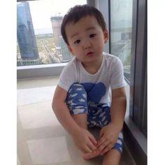 34 best ideas for cute children pictures parents Cute Twins, Cute Babies, Song Il Gook, Superman Kids, Song Daehan, Korean Tv Shows, Song Triplets, Korean Babies, Cutest Thing Ever