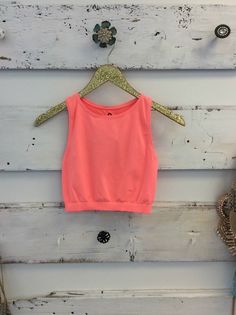 Online boutique. Best outfits. Electric Pink Workout Crop Top. Modern Vintage Boutique
