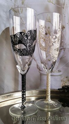 Wedding Glasses Champagne Flutes Set of 2 Lace domino Masquerade mask in Black and White