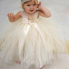Ball Gown Square Ivory Tulle Flower Girl Dress with Flowers Lace
