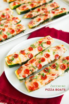 Zucchini Pizza Boats ~ Fun new pizza idea for the kids. Easy dinner recipe using Zucchini, cheese, tomato sauce and pepperoni
