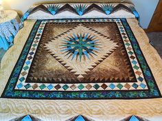 Mariners Compass Quilt -- superb ably made Amish Quilts from Lancaster (hs7328)