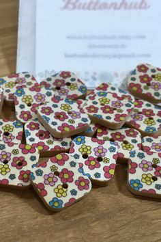 Square Floral Patterned Wooden Buttons: Packs of 12 buttons Button Flowers, Floral Flowers, Santa Decorations, Wooden Hearts, Dressmaking, Decorative Items, Wedding Favors, Floral Design, Craft Projects