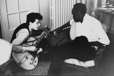 Mike Bloomfield with John Lee Hooker Mike Bloomfield, Blues Artists, Music Artists, Blue Company, Guitar Guy, John Lee Hooker, Classic Blues, Delta Blues, Music Images