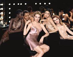 Secretul unui ten perfect consta in alegerea corecta a fondului de ten cu nuanta pielii tale. Guerlain creeaza fondul de ten pentru a indeplini dorintele tuturor femeilor: fuziune si aspect natural, ca o a 2 piele. Definitia tenului perfect variaza de la femeie la femeie, fiecare visand la o piele radianta, uniforma sau cu aspect …