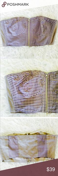 ❗️1 LEFT Urban Outfitters Plaid Bandeau NWT ❗️1 LEFT Urban Outfitters Lavender Plaid Bandeau. Adorable zipper in front. NWT retails $44. Size 4 or small. Listed as size small. Feel free to make an offer! Im having a huge New Year Cleanout Sale ends soon! I'm selling to the first reasonable offer I receive. Discounts on bundles ;-) Urban Outfitters Intimates & Sleepwear Bandeaus