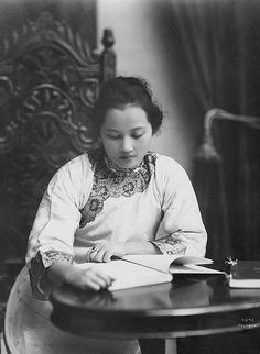 Soong Ching Ling...one of the powerful Soong sisters....in 1920 shanghai