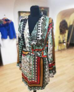 #fashionstorebook #oblecenieprezeny #saty #dress #outfitdna #outfitbook #slovakfashion #spisskanovaves #slovakia Dna, Kimono Top, Store, Book, Outfits, Dresses, Women, Fashion, Vestidos
