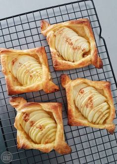Apple Recipes, Baking Recipes, Beignets, Pie Crust Designs, Air Fryer Dinner Recipes, Good Food, Yummy Food, Puff Pastry Recipes, Delicious Deserts
