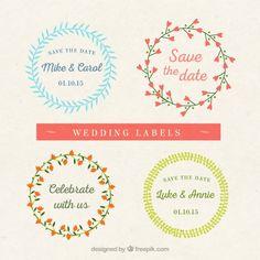 Étiquettes de mariage couronne de fleurs Vecteur gratuit