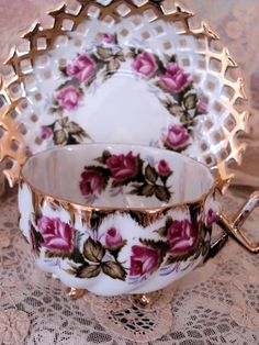 VINTAGE FOOTED TEACUP & SAUCER LUSTREWARE ORNATE HANDLE