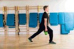 Vyötärölle kerääntynyt rasva voi olla haitallista terveydelle. Liikuntafysiologi ja personal trainerina työskentelevä liikuntabiologi kertovat, mistä rasvan kerääntyminen johtuu ja miten siitä pääsisi parhaiten eroon. Personal Trainer