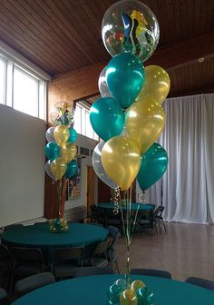 Underwater Balloon Centerpiece Underwater Themed Balloon Centerpiece with Fish Bubble Balloon Table Centerpieces, Fish Centerpiece, Balloon Decorations, Balloon Ideas, Wedding Decorations, Candy Theme Birthday Party, First Birthday Balloons, Birthday Ideas, 16th Birthday