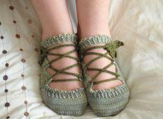 Elven Slippers PDF knitting pattern by joyuna on Etsy, $5.00