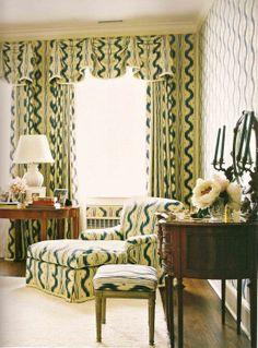 Bedroom of a New York apartment by Celerie Kemble features Pierre Frey Toile de Nantes. Pierre Frey, Cheap Wall Decor, Cheap Home Decor, Diy Home Decor, Living Room Decor, Bedroom Decor, Living Rooms, Bedroom Ideas, Bedroom Stuff