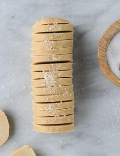 salted peanut butter shortbread I howsweeteats.com