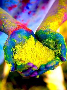 Holi, la fête des couleurs en Inde pour célébrer la fin de l'hiver, et le début du printemps !