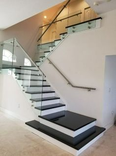 97 Most Popular Modern House Stairs Design Models 95 Staircase Railing Design, Home Stairs Design, House Staircase, Interior Stairs, Dream Home Design, Home Interior Design, Glass Stair Railing, Staircase Design Modern, House Front Design