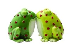 Amazon.com: Horny Toads Frog Salt and Pepper Shaker Set S/P: Kitchen & Dining